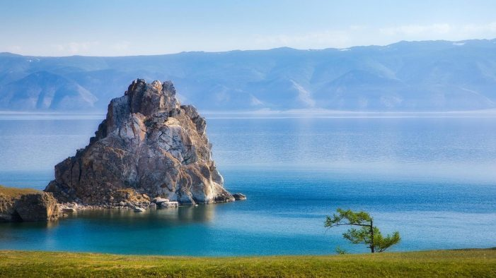 Russians by the tens of thousands block Chinese water extraction from Lake Baikal