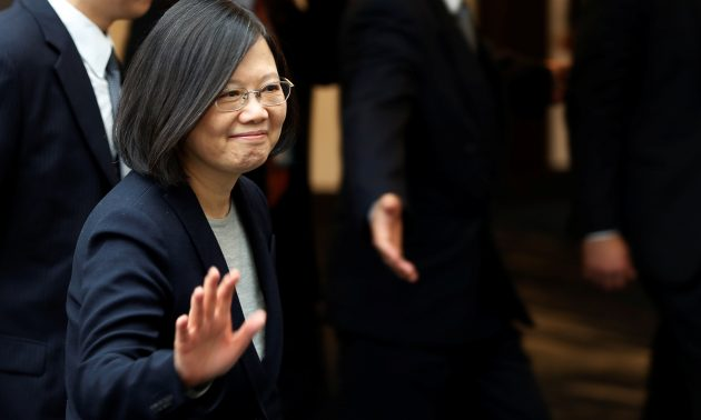 U.S. ignores China's demand, allows Taiwan leader to transit on American soil
